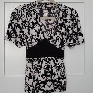 Kimono style black/white top
